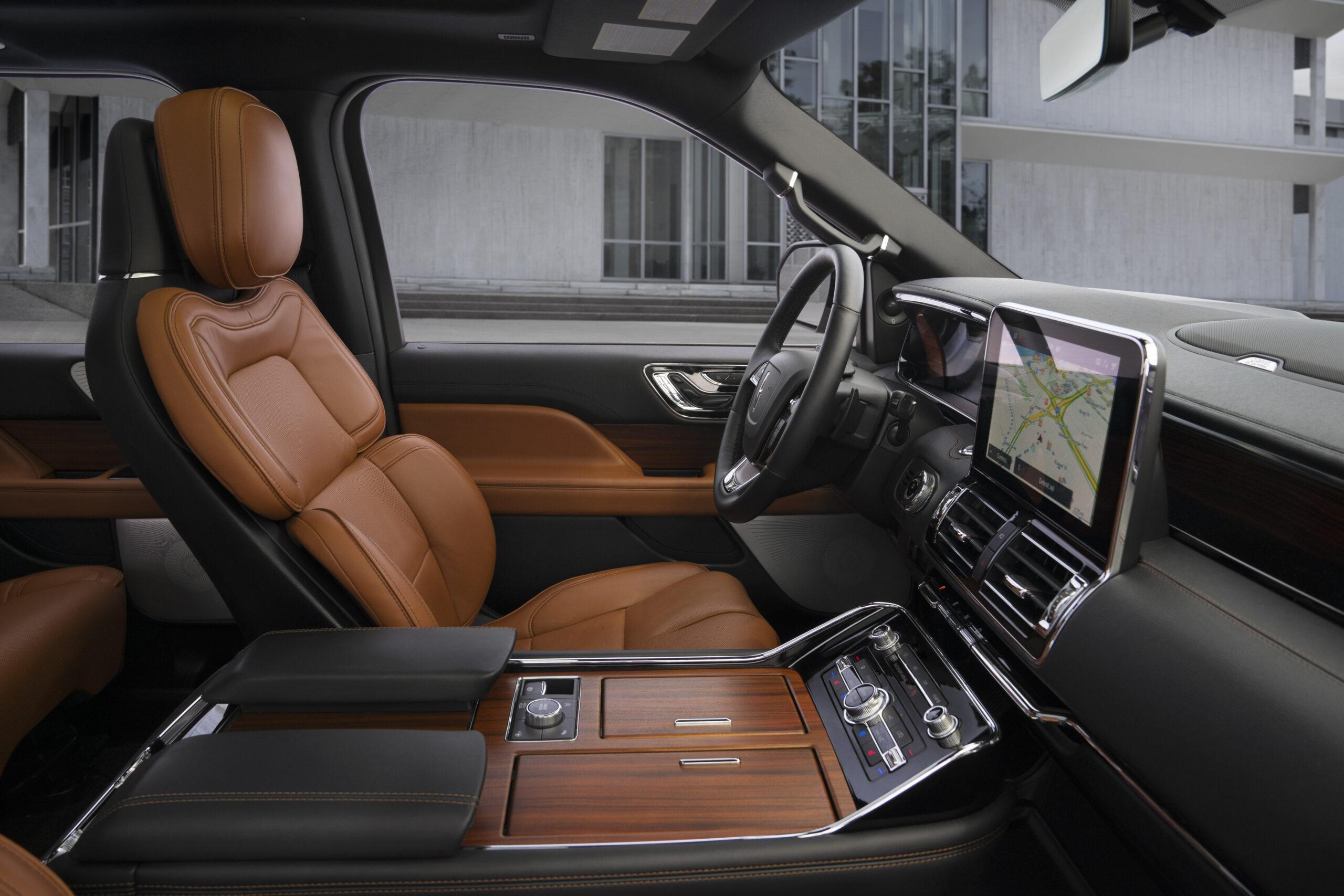 Inside Fall S Best Luxury Suvs The 2020 Lincoln Navigator